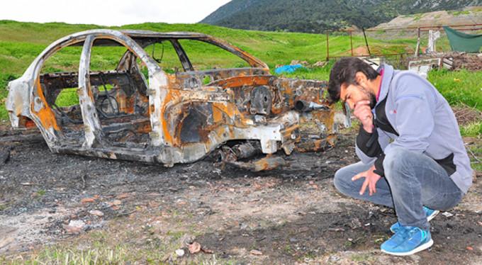 Otomobiliyle birlikte tüm birikimi kül oldu!