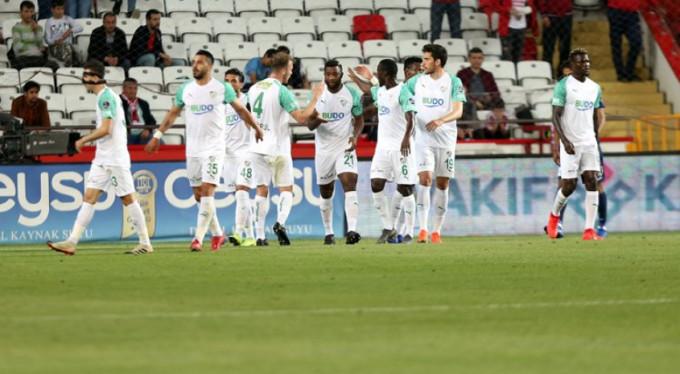 Timsah Antalya'da ayağa kalktı! 0-1