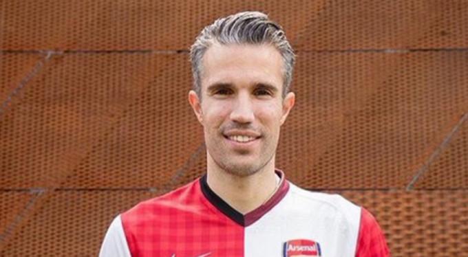 Robin van Persie futbolu bıraktı!
