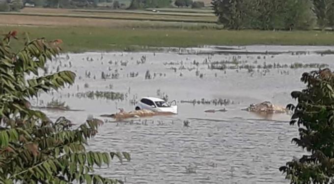 Bursa'da otomobil baraja uçtu!