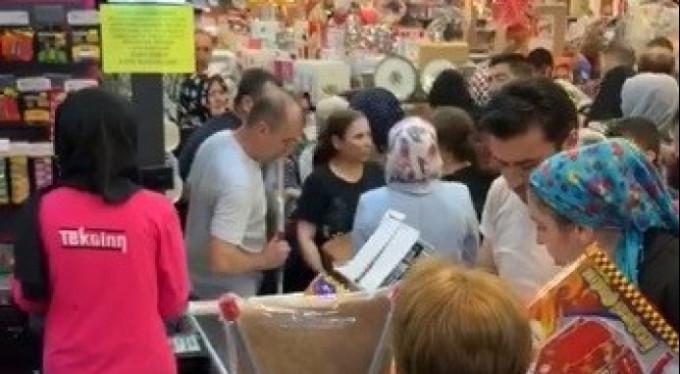 Bursa'da alışveriş izdihamı!