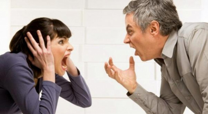 """""""Senden tiksiniyorum"""" demek boşanma sebebi!"""