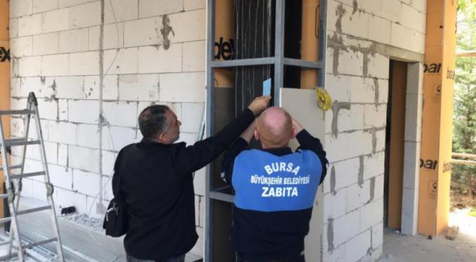 Bursa'da o belediyenin kaçak binası mühürlendi!