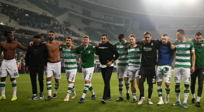 Bursasporlu futbolcular tepkili!
