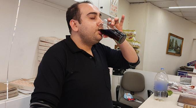 15 yıldır günde 5 litre kola içiyor!