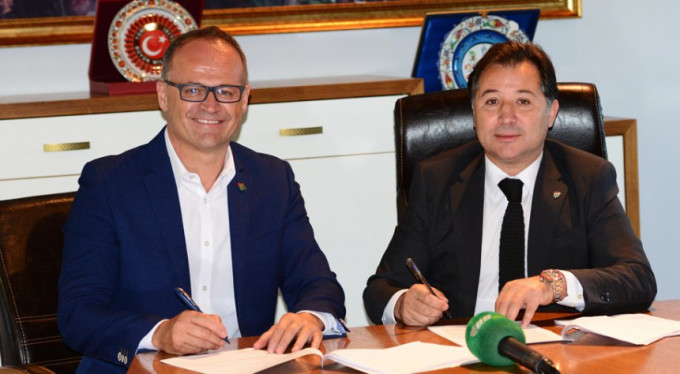 Bursaspor İrfan Buz'u açıkladı!