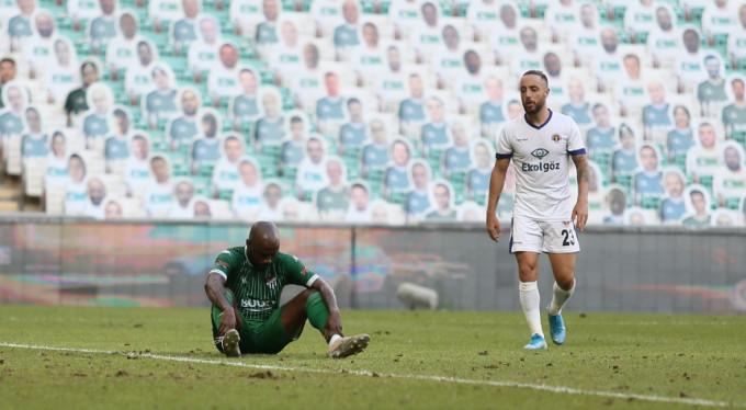Bursaspor ilk iki şansını mucizelere bıraktı