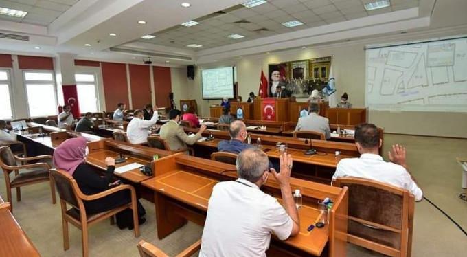 Belediye meclisinde üreme tartışması