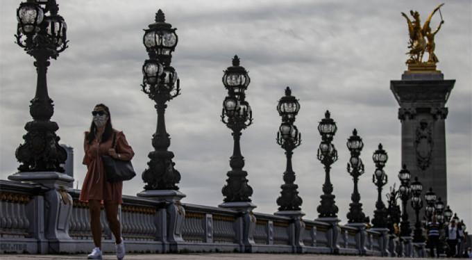 Fransa'da son 24 saatte 7 bin 71 yeni vaka