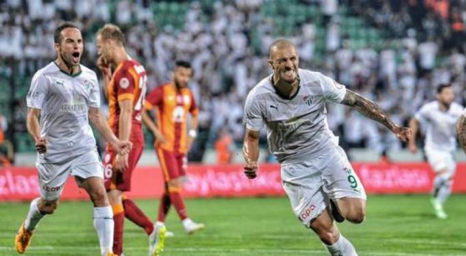 Bursaspor'a göz kırptı