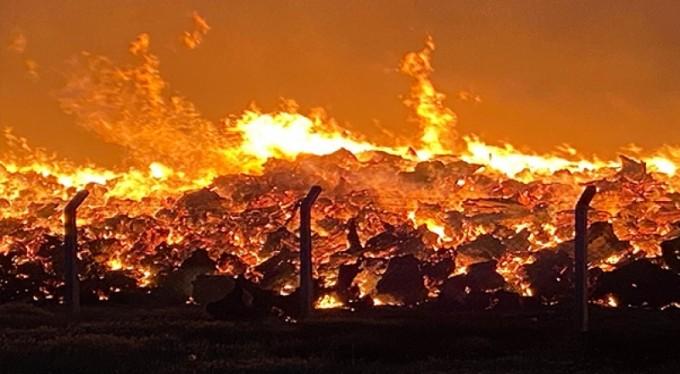 Elektrik santralinde çıkan yangın büyüyor
