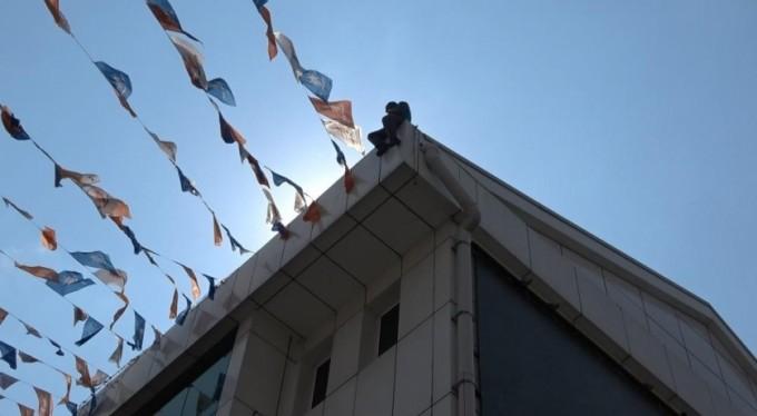 Bursa'da 76 suç kaydı olan şahıstan intihar şov