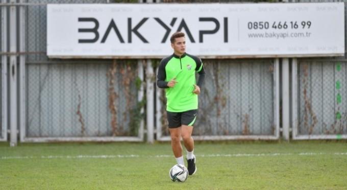 Bursaspor'un milli futbolcuları geri döndü