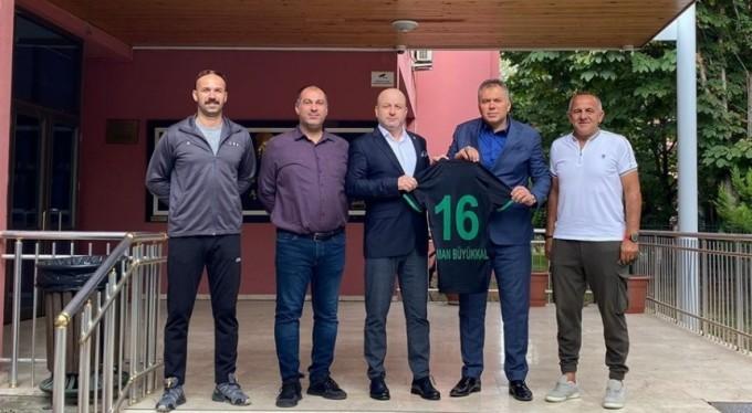 Bursaspor Başkanı Hayrettin Gülgüler'den BTSO Celal Sönmez Spor Lisesi'ne ziyaret
