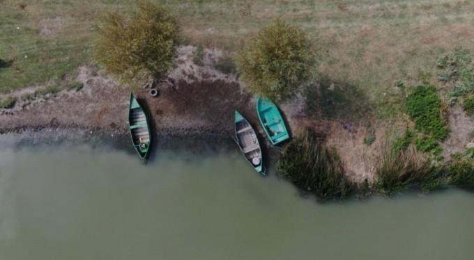 Uluabat Gölü can çekişiyor