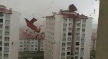 Fırtına çatıları uçurdu!