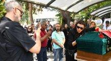 Enis Fosforoğlu'nun cenazesinde tartışılan fotoğraf