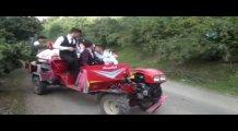 Patpatlı düğün konvoyu